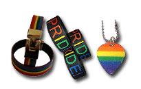 Vis stoltheden, armbånd og halskæder i regnbuens farver